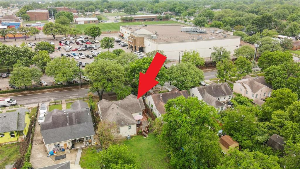 2423 Wentworth  Street, Dallas, Texas 75211 - acquisto real estate agent of the year mike shepherd