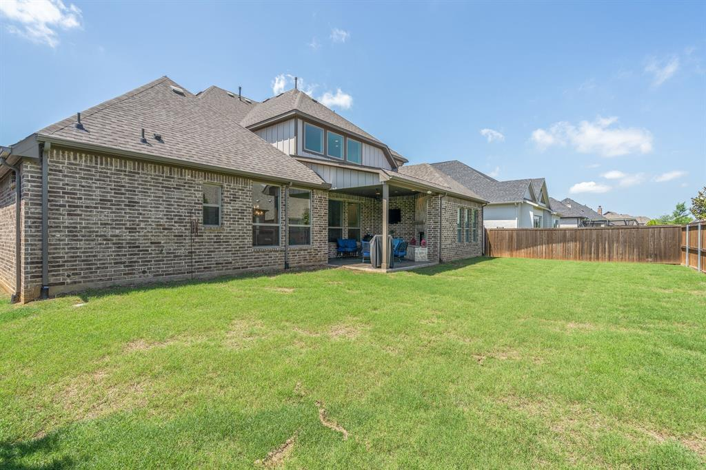 409 Nora  Argyle, Texas 76226 - acquisto real estate agent of the year mike shepherd