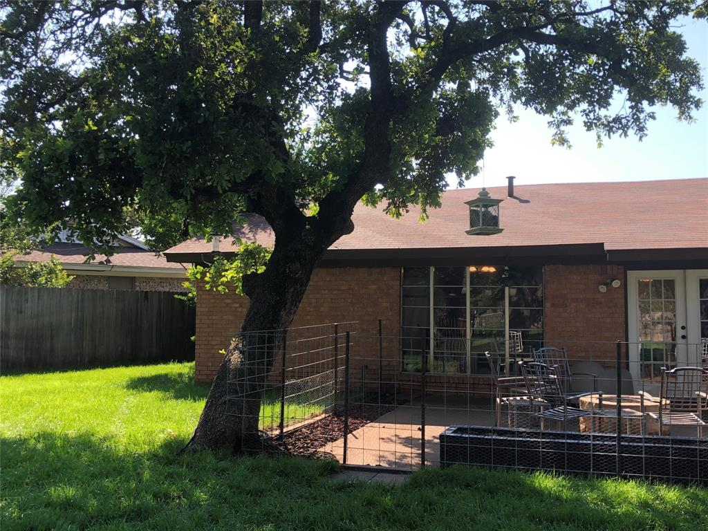 2916 6th  Street, Mineral Wells, Texas 76067 - acquisto real estate best looking realtor in america shana acquisto