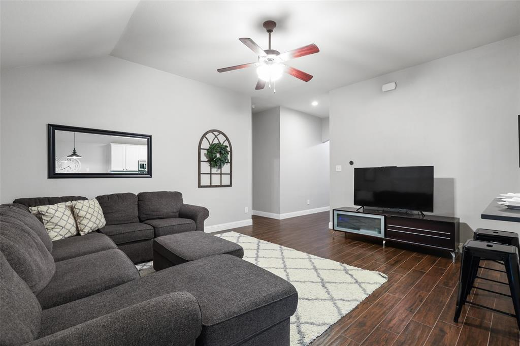1432 Castlegar  Lane, Fort Worth, Texas 76247 - acquisto real estate best allen realtor kim miller hunters creek expert