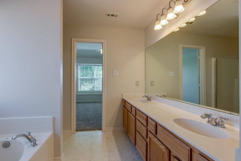 9401 Athens  Drive, Denton, Texas 76226 - acquisto real estate best new home sales realtor linda miller executor real estate