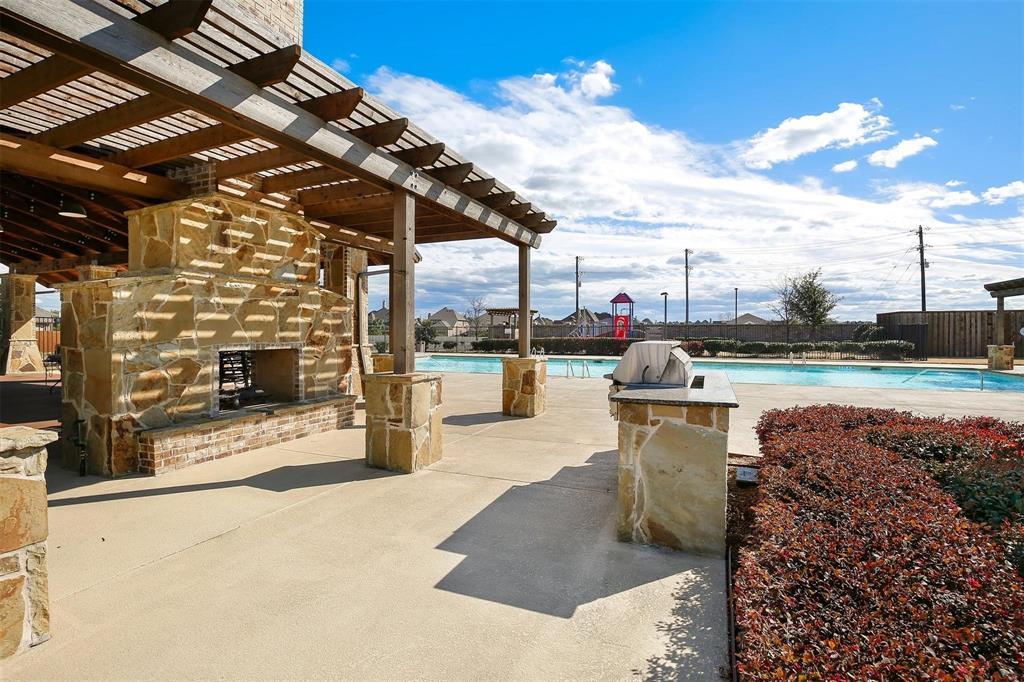 332 Prairie Ridge  Lane, Lewisville, Texas 75056 - acquisto real estate best plano real estate agent mike shepherd