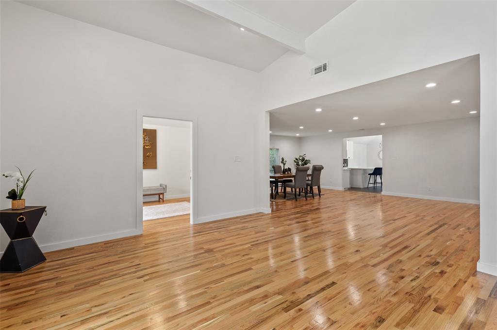 1827 Southerland  Avenue, Dallas, Texas 75203 - Acquisto Real Estate best frisco realtor Amy Gasperini 1031 exchange expert
