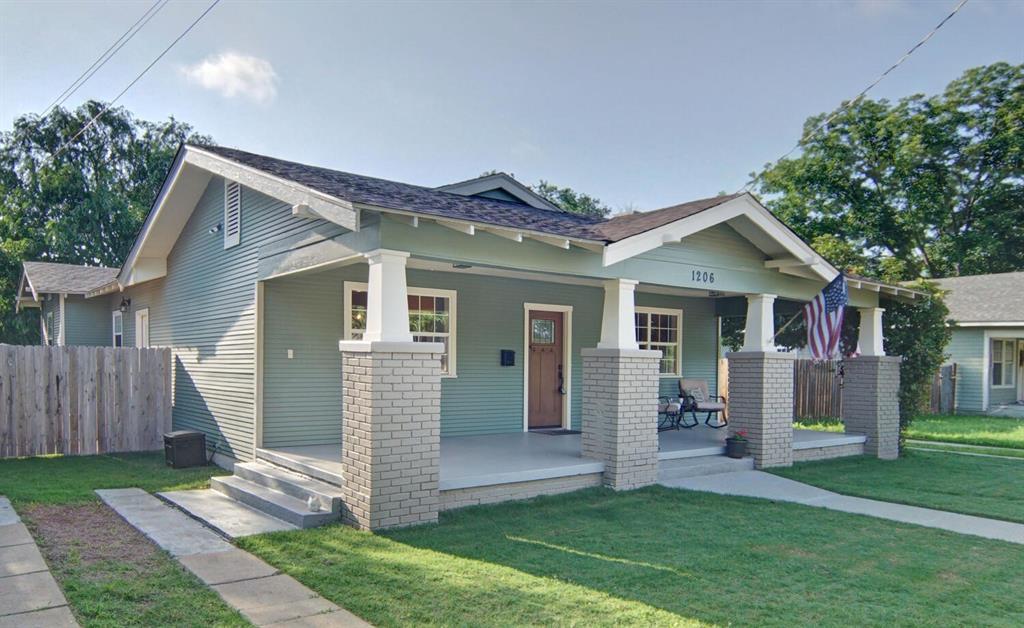 1206 Seaman  Street, Eastland, Texas 76448 - Acquisto Real Estate best plano realtor mike Shepherd home owners association expert