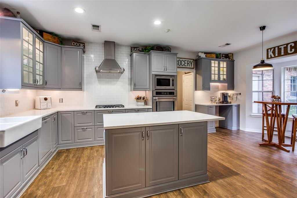 204 Laurel Creek  Drive, Sherman, Texas 75092 - acquisto real estate best real estate company to work for