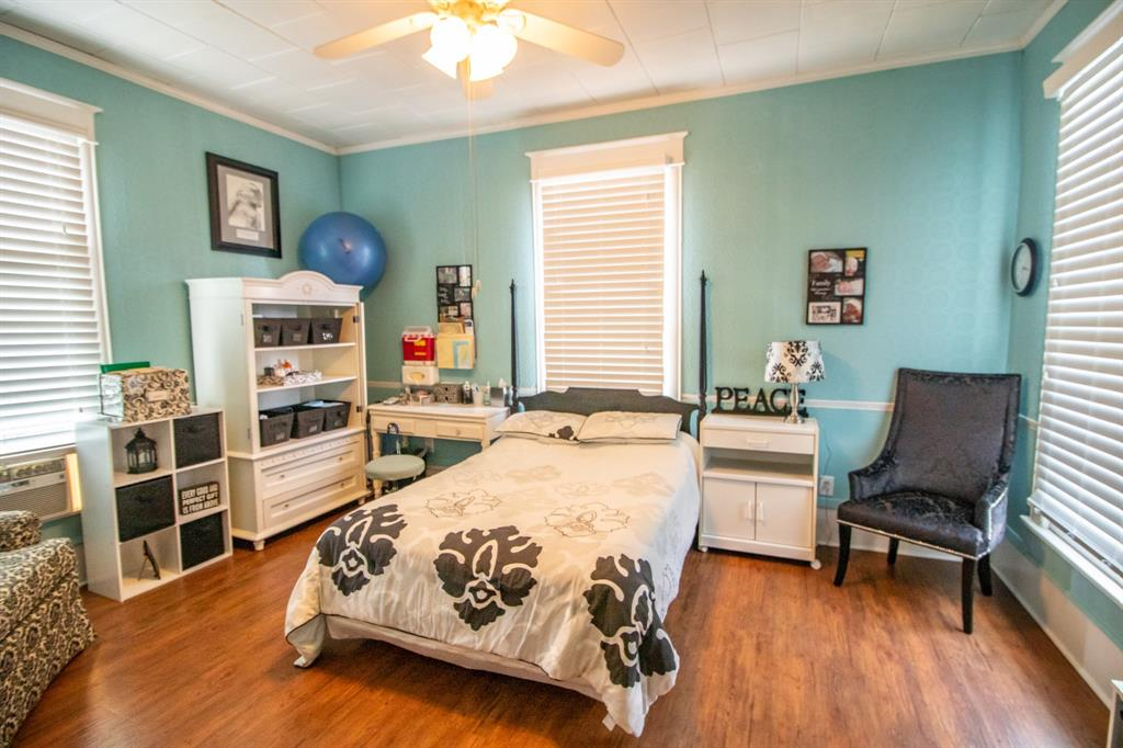 421 Bonner  Avenue, Tyler, Texas 75702 - acquisto real estate best negotiating realtor linda miller declutter realtor