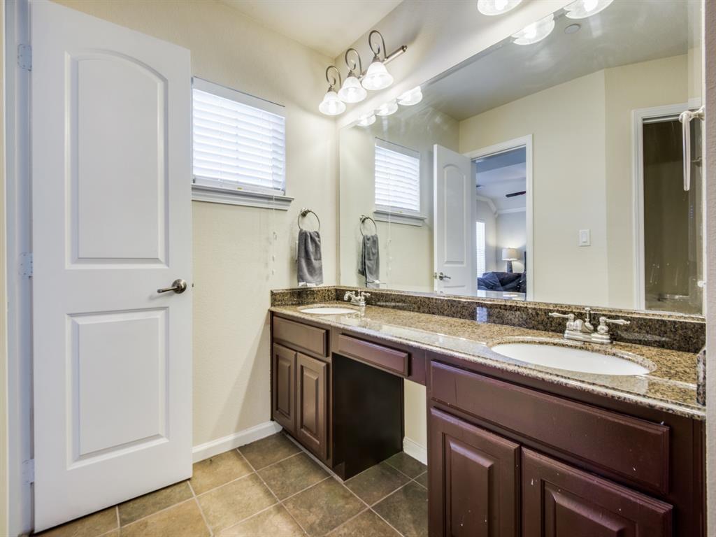 110 Barrington  Lane, Lewisville, Texas 75067 - acquisto real estate best new home sales realtor linda miller executor real estate
