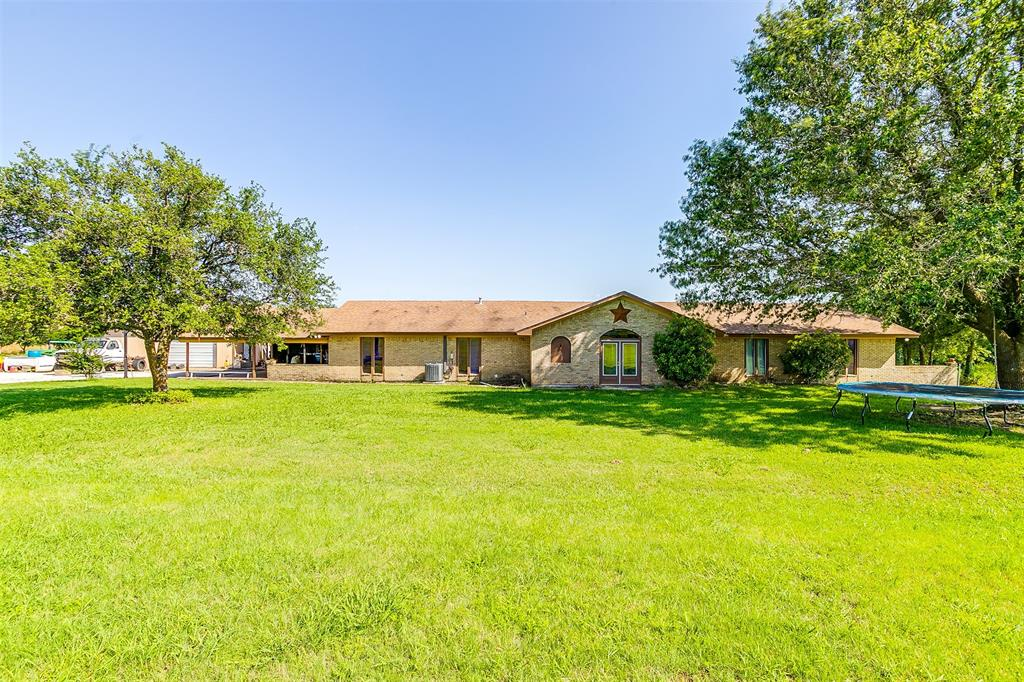 2553 Woodard  Avenue, Cleburne, Texas 76033 - acquisto real estate best real estate company to work for