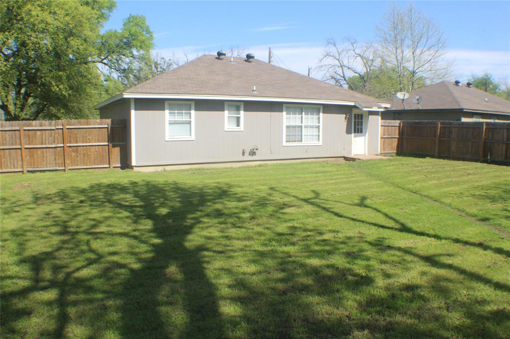 1132 Alvarado  Street, Cleburne, Texas 76031 - acquisto real estate best new home sales realtor linda miller executor real estate