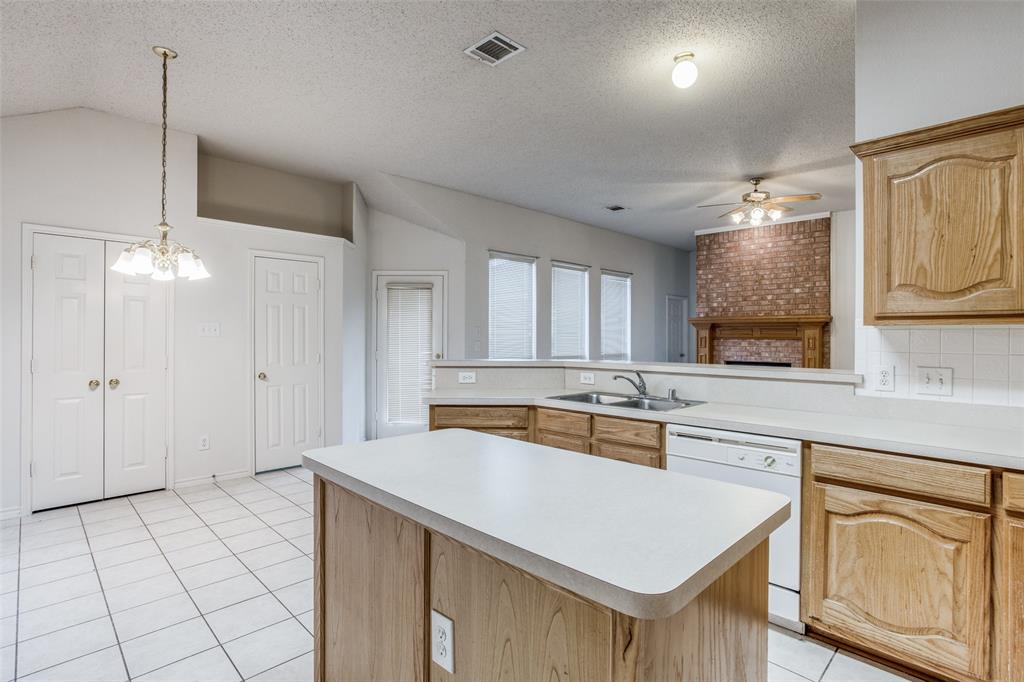 1514 Pine Bluff  Drive, Allen, Texas 75002 - acquisto real estate best luxury buyers agent in texas shana acquisto inheritance realtor