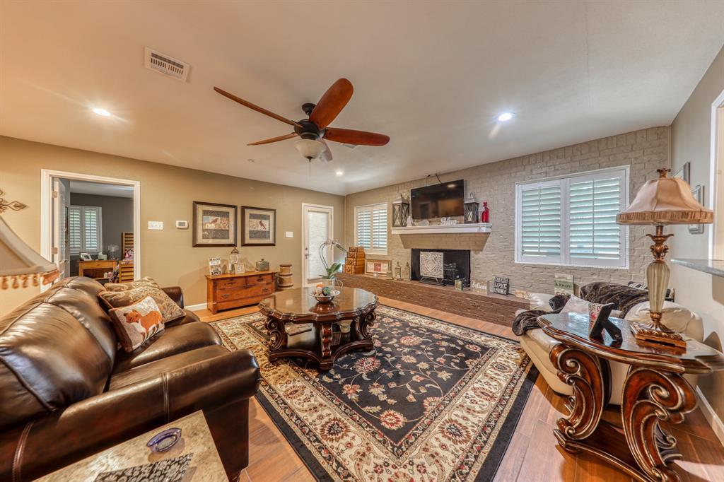 807 Hilltop  Drive, Weatherford, Texas 76086 - acquisto real estate best celina realtor logan lawrence best dressed realtor