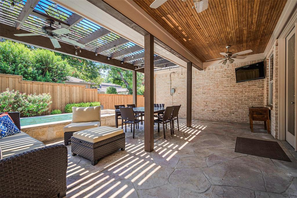 9780 Broken Bow  Road, Dallas, Texas 75238 - acquisto real estate best park cities realtor kim miller best staging agent