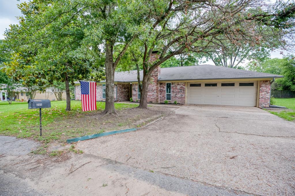 205 Helen  Drive, Lindale, Texas 75771 - acquisto real estate best allen realtor kim miller hunters creek expert