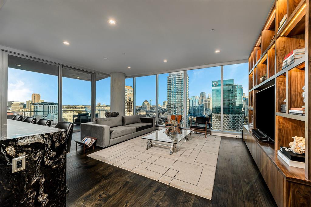 3130 Harwood  Street, Dallas, Texas 75201 - acquisto real estate best realtor foreclosure real estate mike shepeherd walnut grove realtor