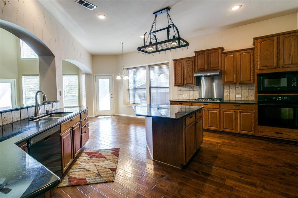 1350 Scarboro Hills  Lane, Rockwall, Texas 75087 - acquisto real estate best listing listing agent in texas shana acquisto rich person realtor