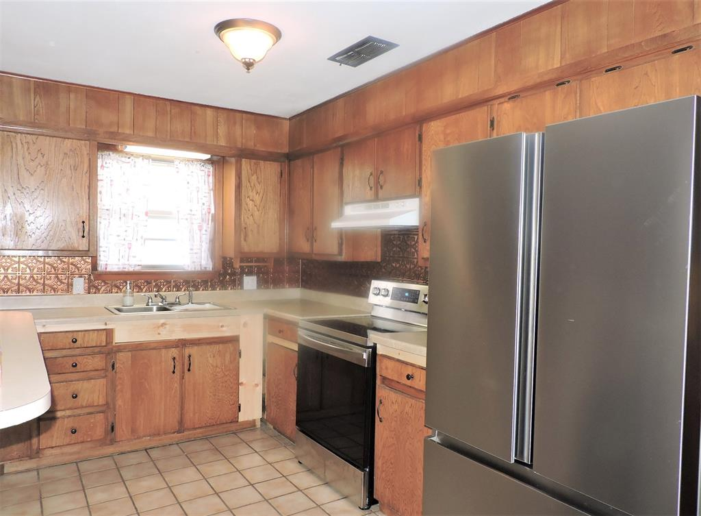 1508 Martha  Street, Bowie, Texas 76230 - acquisto real estate best highland park realtor amy gasperini fast real estate service