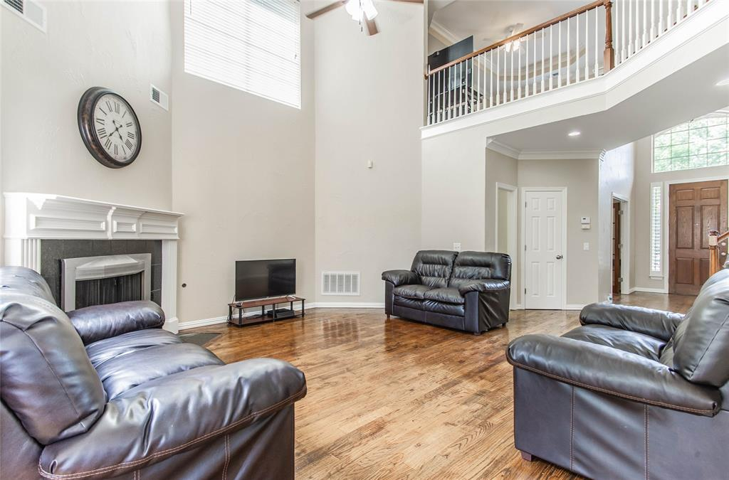 448 Crestview Point Dr  Drive, Lewisville, Texas 75067 - acquisto real estate best real estate company to work for