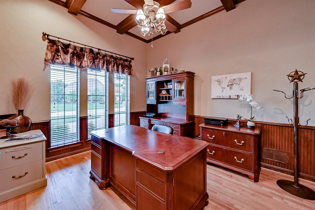 1040 Falcon Creek  Drive, Kennedale, Texas 76060 - acquisto real estate best celina realtor logan lawrence best dressed realtor