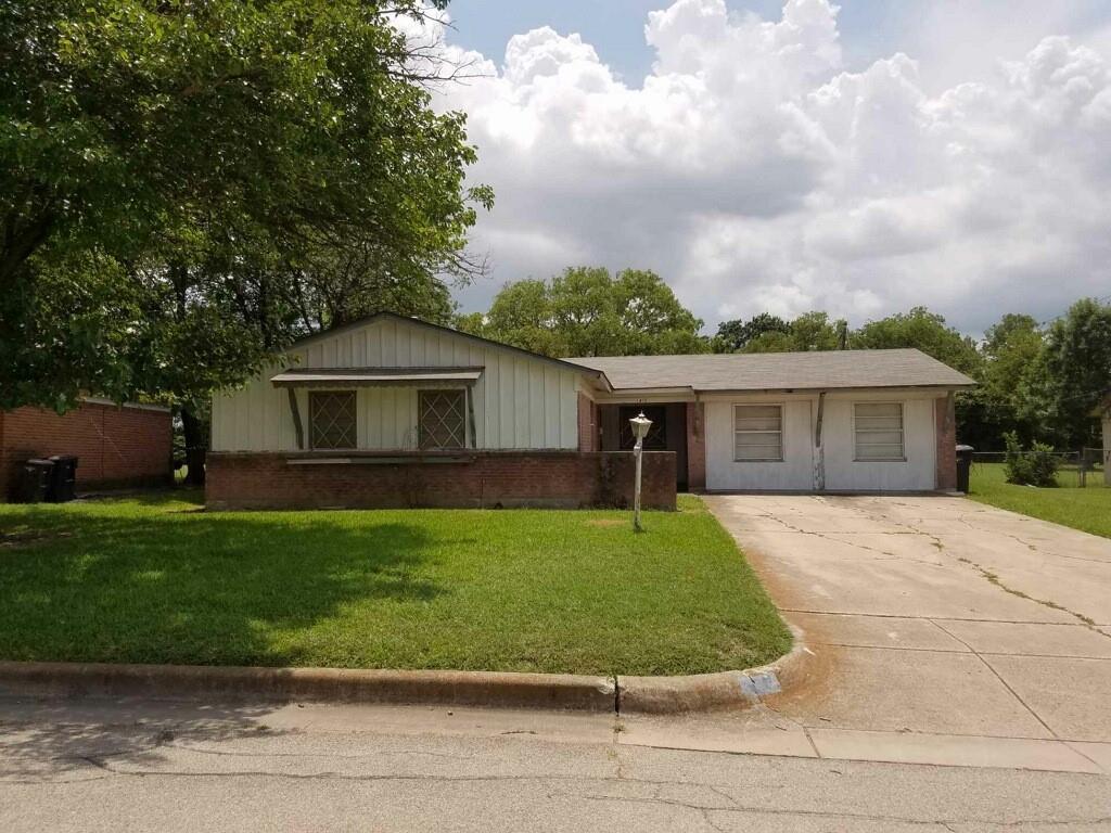 1412 Hazel Leigh  Lane, Fort Worth, Texas 76134 - Acquisto Real Estate best frisco realtor Amy Gasperini 1031 exchange expert