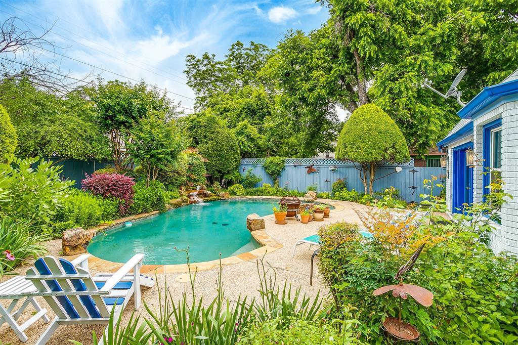 2235 Mistletoe  Boulevard, Fort Worth, Texas 76110 - Acquisto Real Estate best frisco realtor Amy Gasperini 1031 exchange expert