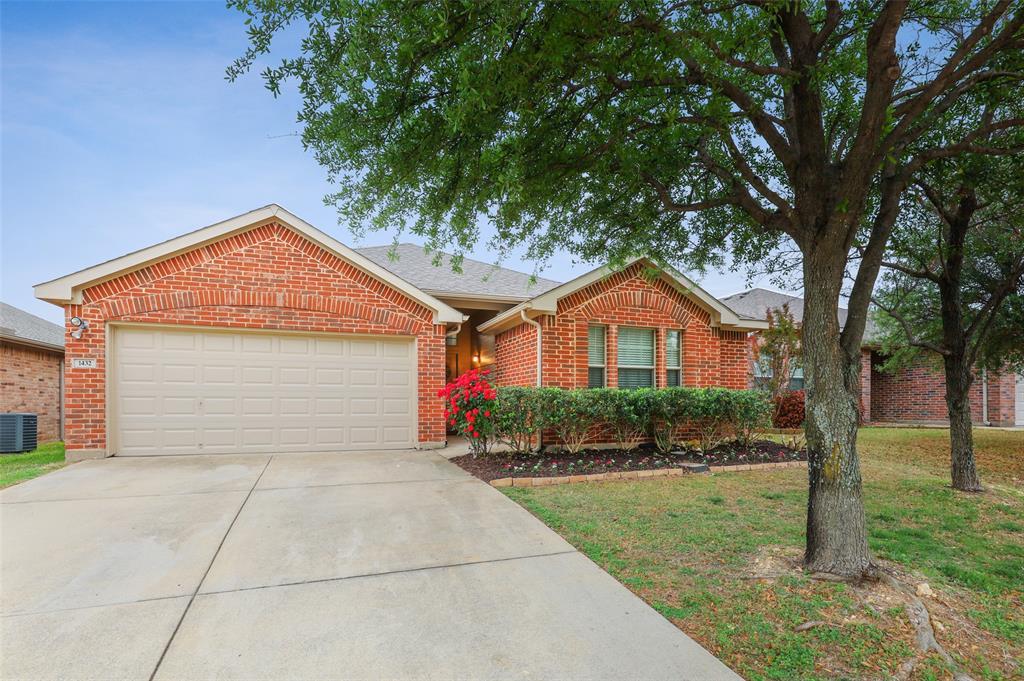 1432 Castlegar  Lane, Fort Worth, Texas 76247 - acquisto real estate mvp award real estate logan lawrence