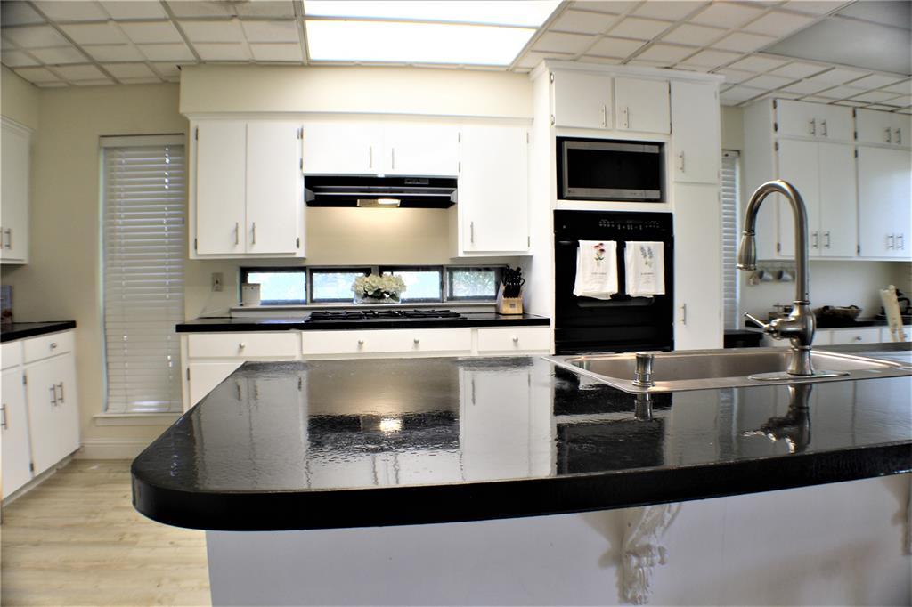 614 Mink  Drive, Greenville, Texas 75402 - acquisto real estate best celina realtor logan lawrence best dressed realtor