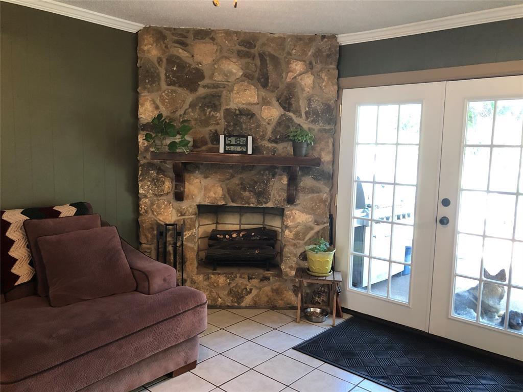 2916 6th  Street, Mineral Wells, Texas 76067 - acquisto real estate best highland park realtor amy gasperini fast real estate service