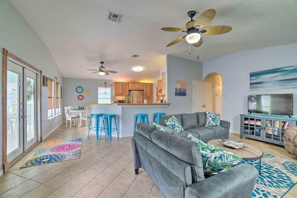 1224 Live Oak  Street, Rockport, Texas 78382 - Acquisto Real Estate best frisco realtor Amy Gasperini 1031 exchange expert
