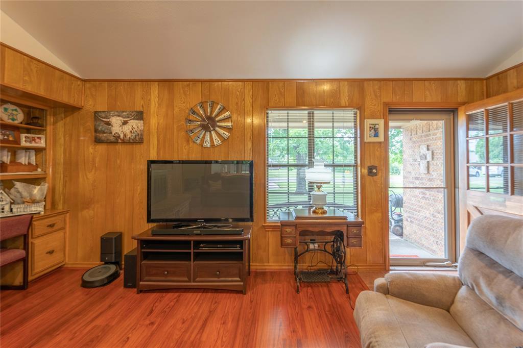 309 5th  Street, Justin, Texas 76247 - acquisto real estate best realtor dfw jody daley liberty high school realtor