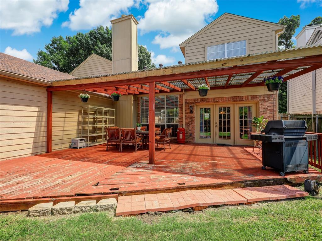 2121 Lansdown  Drive, Carrollton, Texas 75010 - acquisto real estate best relocation company in america katy mcgillen