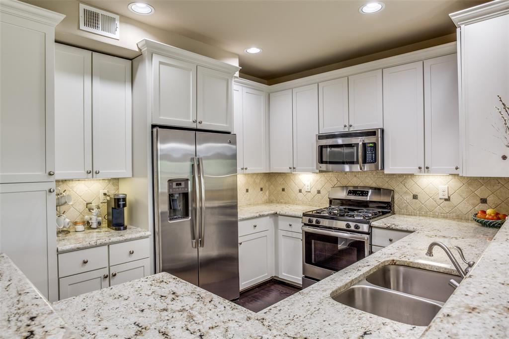 500 Waters Edge  Drive, Lake Dallas, Texas 75065 - acquisto real estate best real estate company to work for