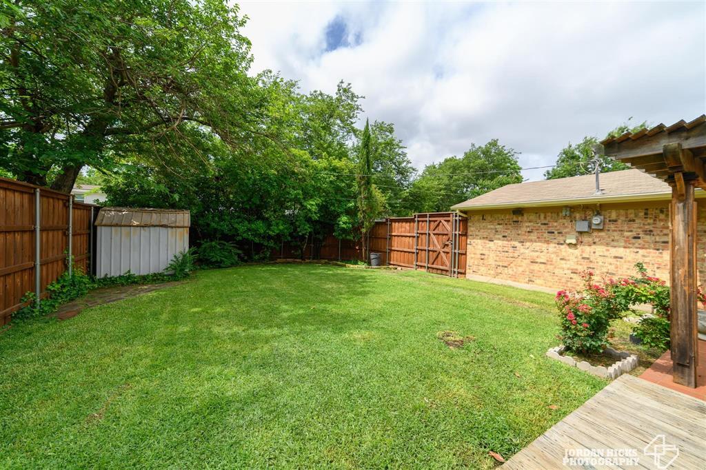 737 Snowden  Drive, Richardson, Texas 75080 - acquisto real estate best negotiating realtor linda miller declutter realtor
