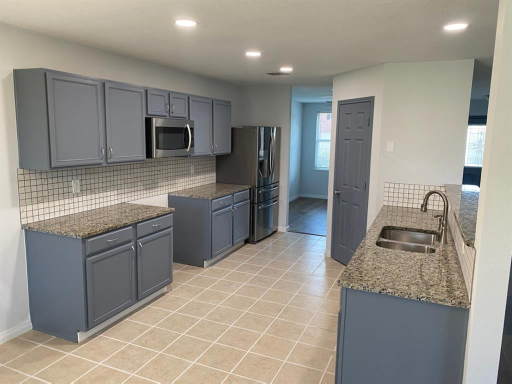 2112 Grove  Lane, Grand Prairie, Texas 75052 - Acquisto Real Estate best plano realtor mike Shepherd home owners association expert