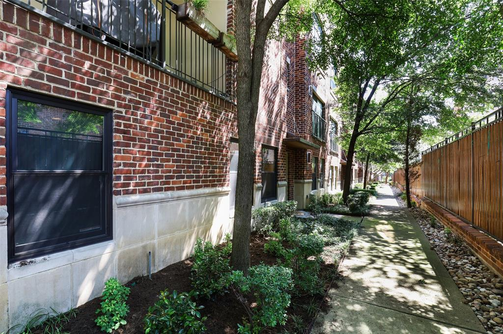2411 Hall  Street, Dallas, Texas 75204 - acquisto real estate best the colony realtor linda miller the bridges real estate