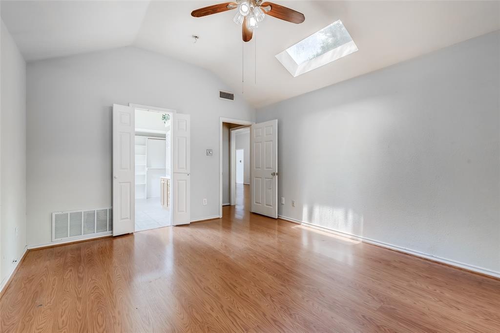 1513 Pacific  Place, Fort Worth, Texas 76112 - acquisto real estate best photos for luxury listings amy gasperini quick sale real estate