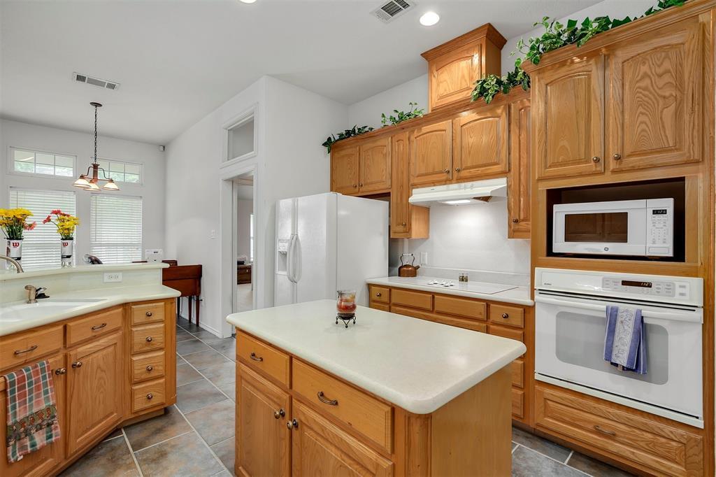 1018 Cook  Drive, Grand Prairie, Texas 75050 - acquisto real estate best prosper realtor susan cancemi windfarms realtor