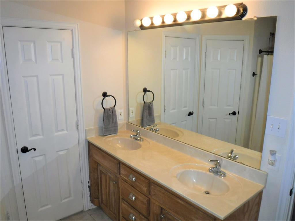 283 Prairie View  Drive, Decatur, Texas 76234 - acquisto real estate best park cities realtor kim miller best staging agent