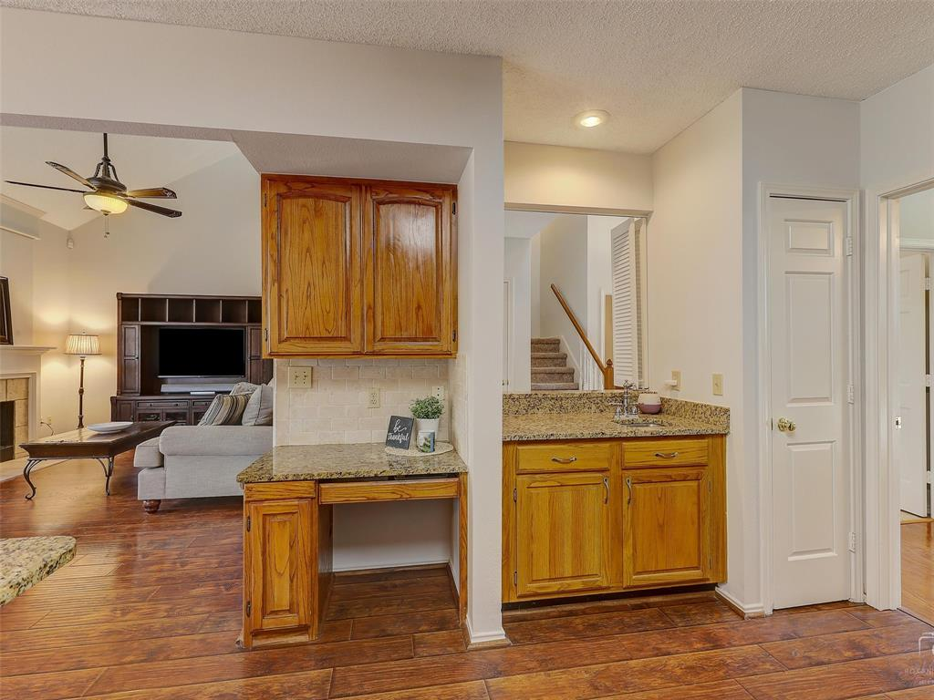 2121 Lansdown  Drive, Carrollton, Texas 75010 - acquisto real estate best real estate company to work for