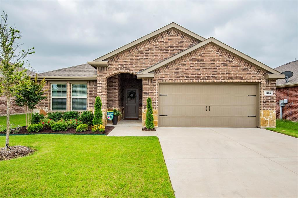 1705 Princeton  Avenue, Farmersville, Texas 75442 - Acquisto Real Estate best plano realtor mike Shepherd home owners association expert