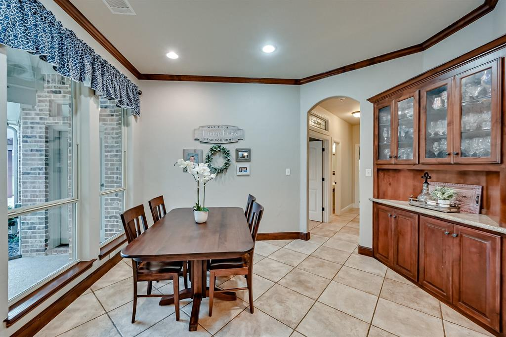 1040 Falcon Creek  Drive, Kennedale, Texas 76060 - acquisto real estate best frisco real estate broker in texas for high net worth buyers