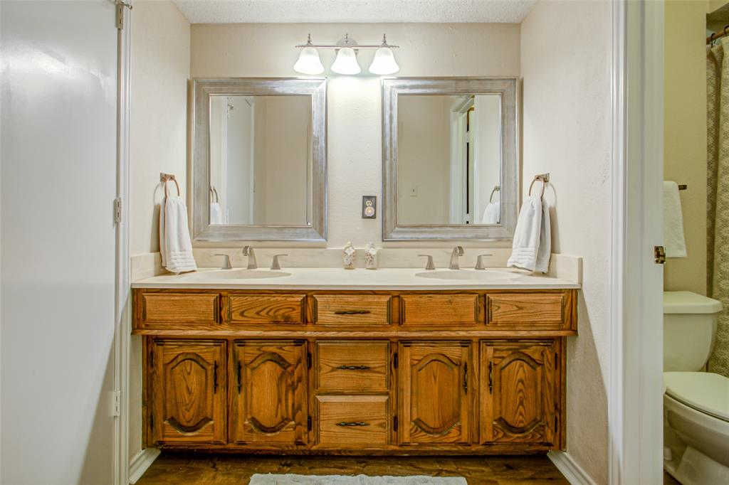 409 Brookfield  Drive, Garland, Texas 75040 - acquisto real estate best photos for luxury listings amy gasperini quick sale real estate