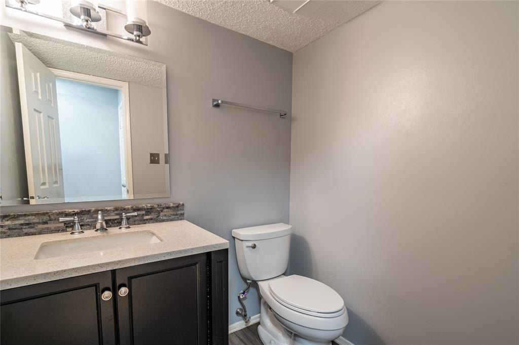 998 Acorn  Drive, Lewisville, Texas 75067 - acquisto real estate best designer and realtor hannah ewing kind realtor
