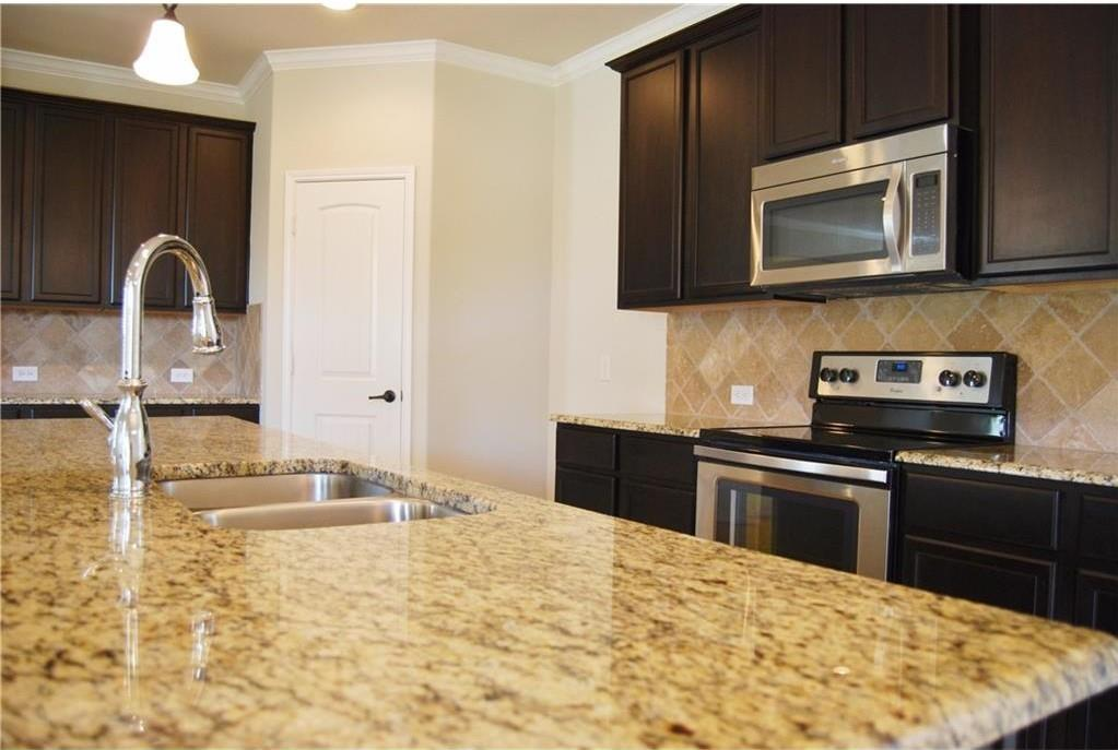 920 Caudle  Lane, Savannah, Texas 76227 - acquisto real estate best real estate company to work for