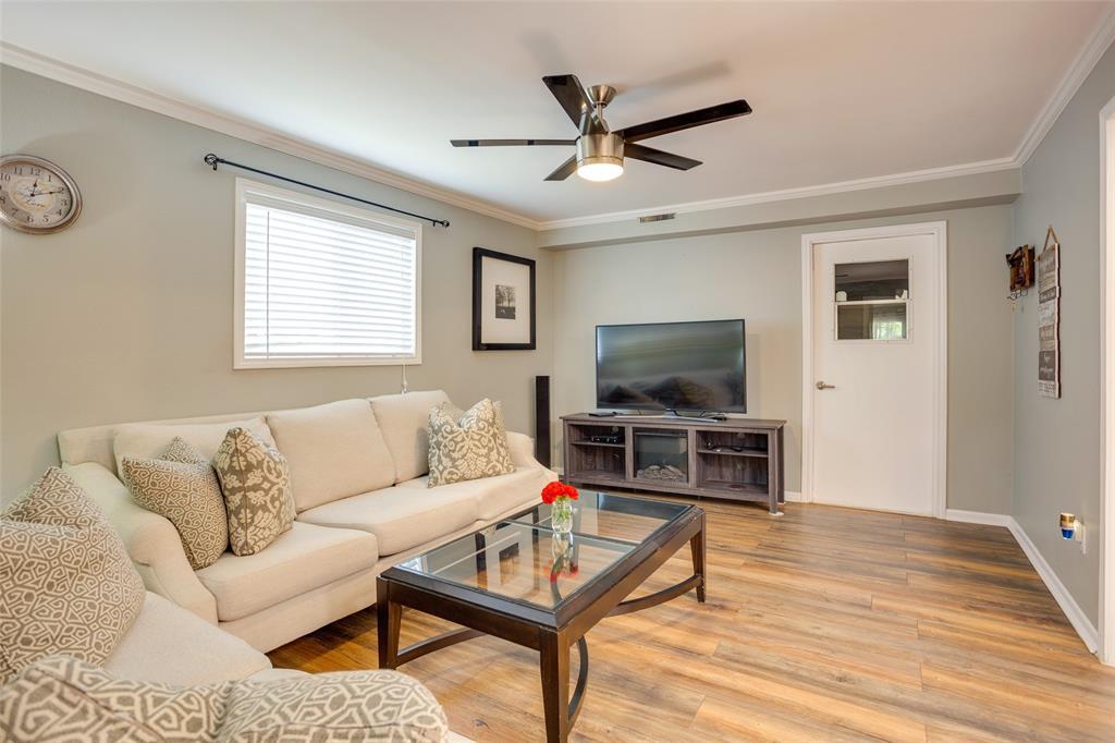 4625 Bonnell  Avenue, Fort Worth, Texas 76107 - acquisto real estate best highland park realtor amy gasperini fast real estate service