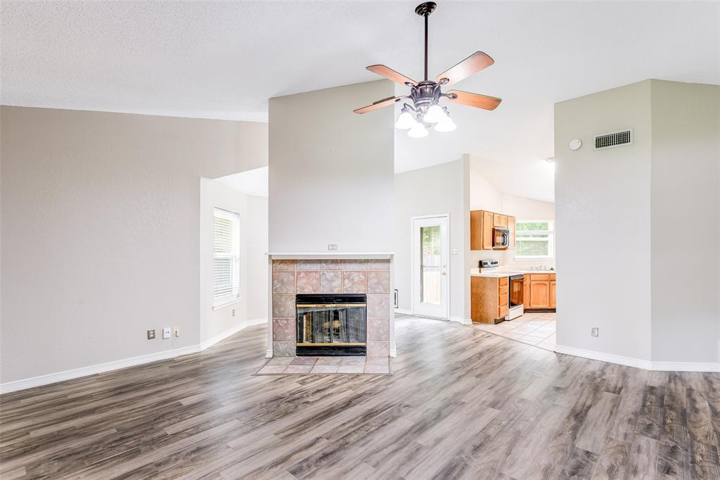 1025 Hills  Terrace, Saginaw, Texas 76179 - acquisto real estate best allen realtor kim miller hunters creek expert