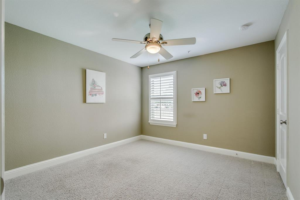 385 Busher  Drive, Lewisville, Texas 75067 - acquisto real estate best realtor foreclosure real estate mike shepeherd walnut grove realtor