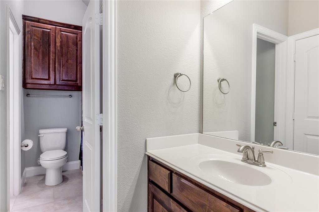 2425 Kingsgate  Drive, Little Elm, Texas 75068 - acquisto real estate mvp award real estate logan lawrence