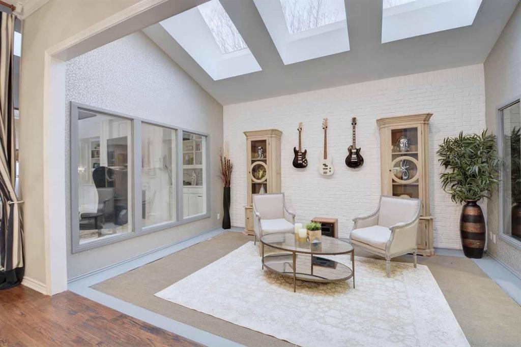 2005 Crockett  Court, Irving, Texas 75038 - Acquisto Real Estate best plano realtor mike Shepherd home owners association expert