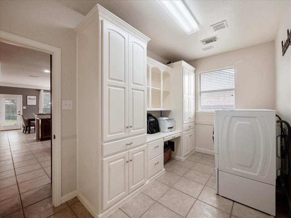 636 Campolina  Drive, Grand Prairie, Texas 75052 - acquisto real estate best celina realtor logan lawrence best dressed realtor