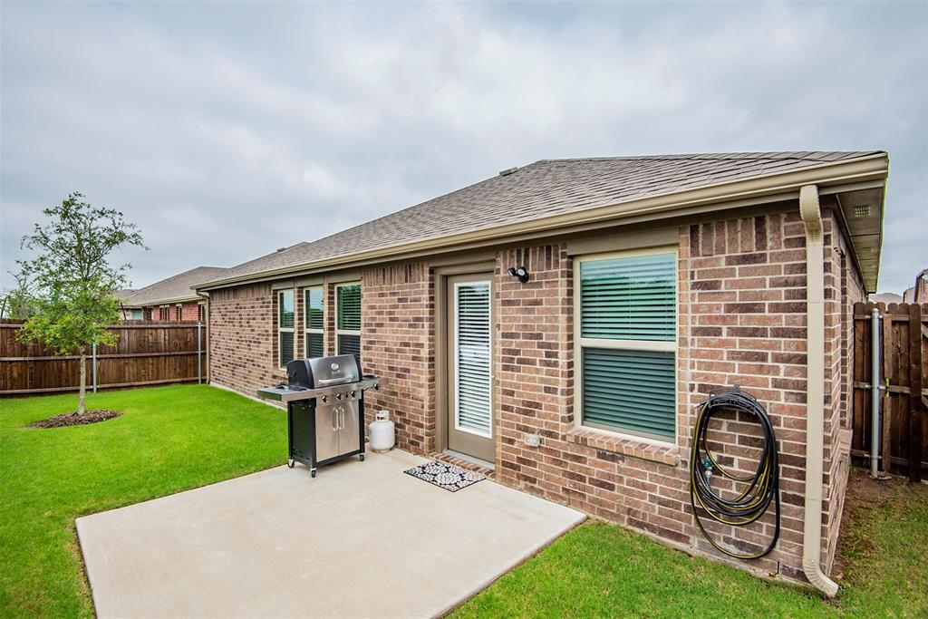 1705 Princeton  Avenue, Farmersville, Texas 75442 - acquisto real estate best the colony realtor linda miller the bridges real estate